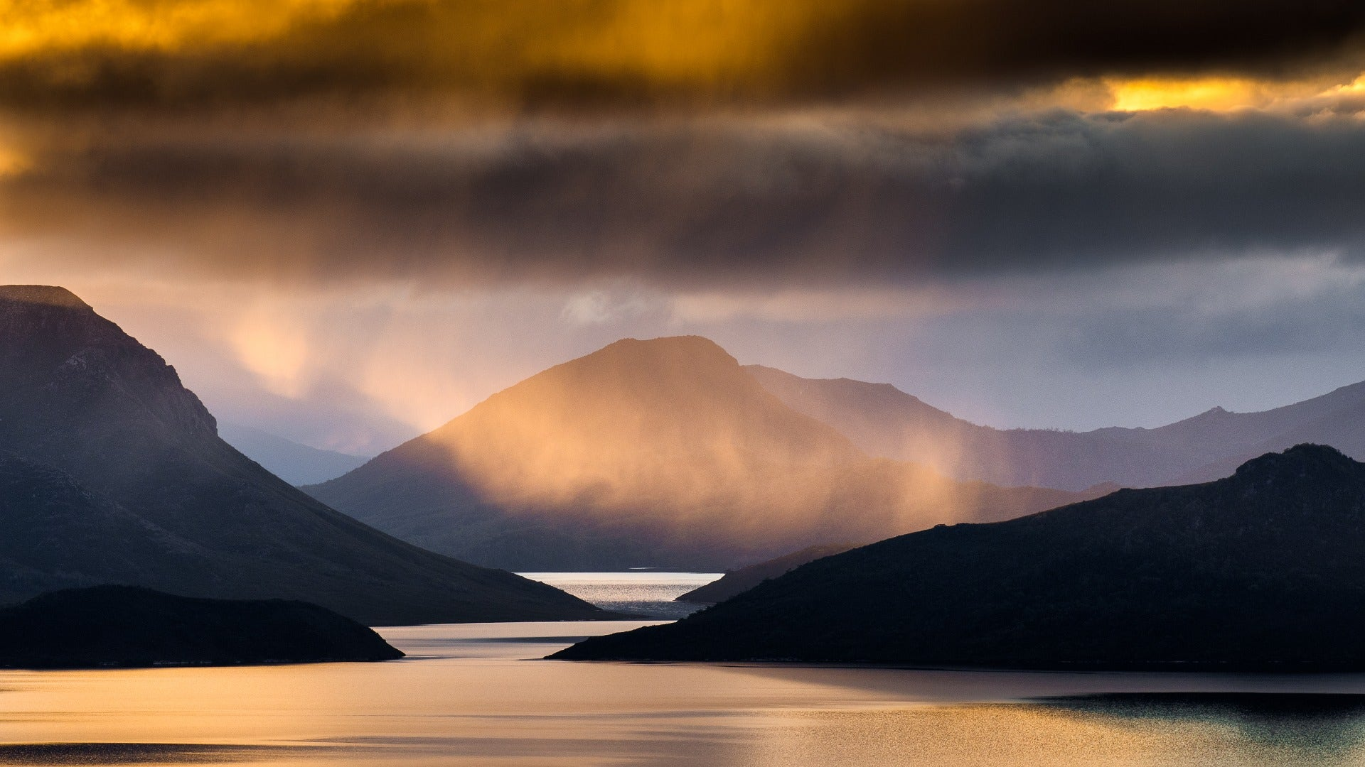Lake Pedder - earlier. ©Cam Blake