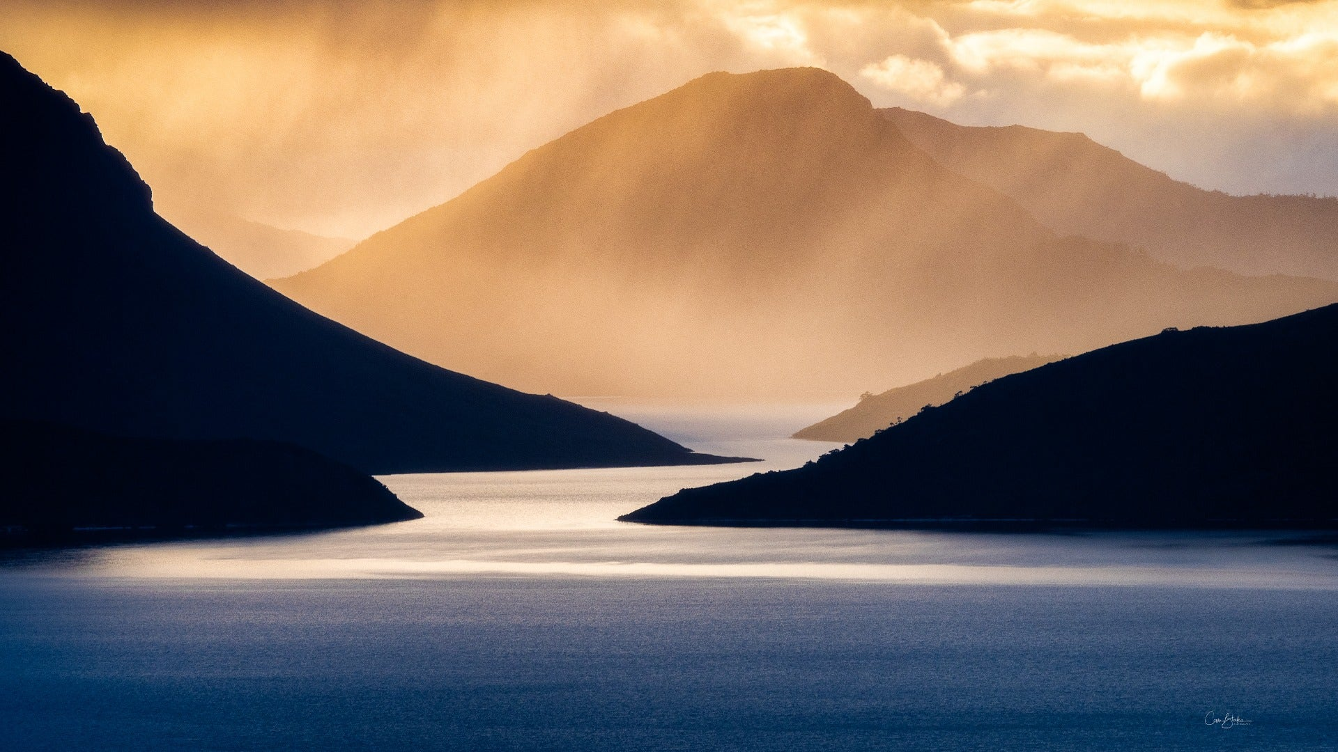 Lake Pedder. ©Cam Blake