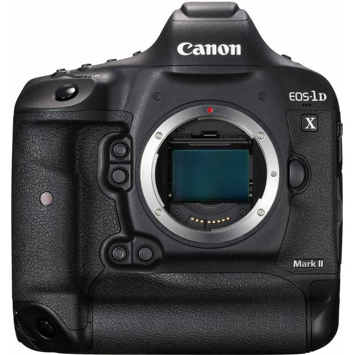 Canon EOS 1DX Mark II Body with 128GB CFast Card & Card Reader