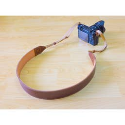 Ryoko Luxor Camera Strap - Hand Made - finest Italian Full Grain Leather