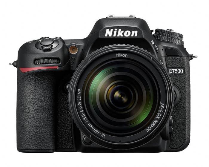 Nikon D7500 DSLR Kit with AF-S 18-140 VR Lens