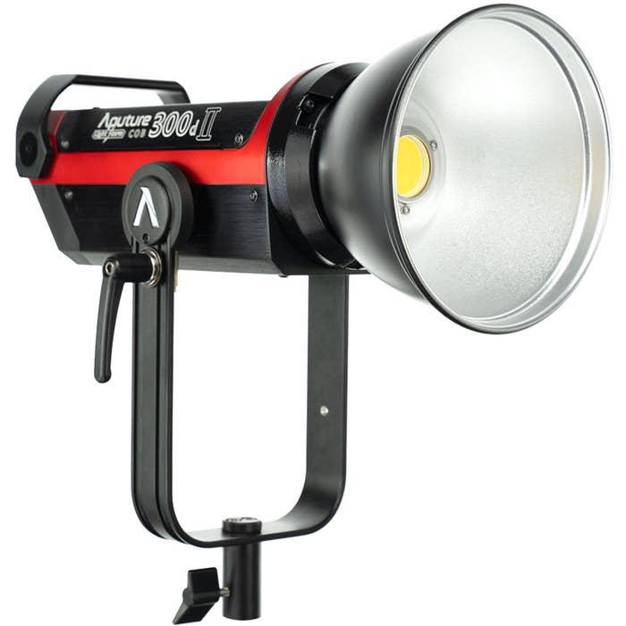 APUTURE LIGHTSTORM LS C300DII Kit - Mark II Bowens mount video light for professional video production