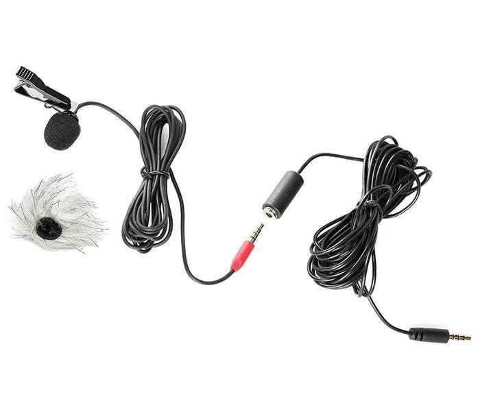 Saramonic SR-LMX1 Lavalier Smartphone Microphone (Lapel Clip, Foam, Furry Windscreens)