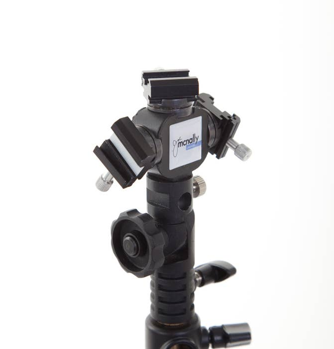 Lastolite Bracket TriFlash Joe McNally up to 3 Speedlights 3