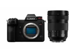 Panasonic LUMIX S1R Body with LUMIX S 24-105mm F4 MACRO O.I.S