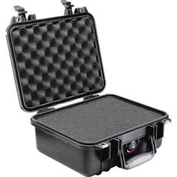 Pelican 1400 Case with Foam - Black    (1400B)