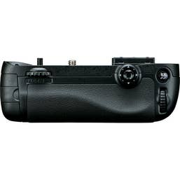 Nikon MB-D15 Multi Power Battery Grip for D7100 and D7200 (VFC00401)