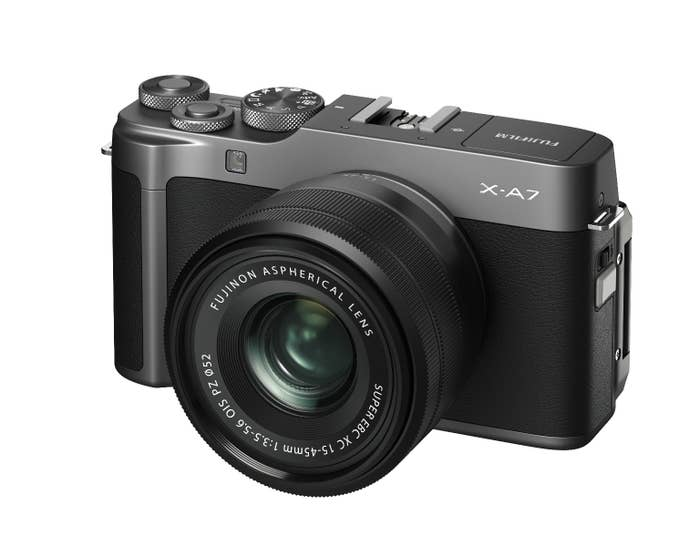 FujiFilm X-A7 w/ 15-45mm Dark Silver