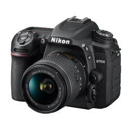Nikon D7500 plus AF-P 18-55mm VR